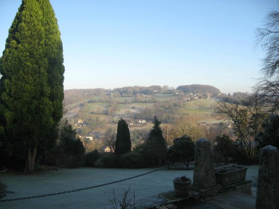 Burleigh Court Hotel: View over valley from hotel.