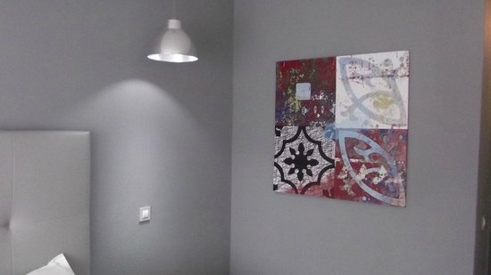 Carvi Beach Hotel Algarve: Really good to see support for local artists.