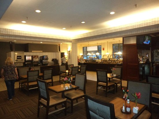 Embassy Suites by Hilton Portland Maine : dinning room