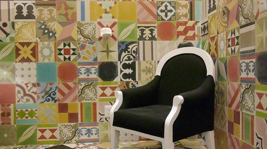 Del Carmen Concept Hotel: habitación muy cómoda y llamativa