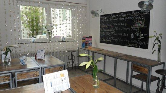 Pyjama Park Hotel und Hostel: comedor