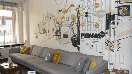 Pyjama Park Hotel und Hostel: recepcion