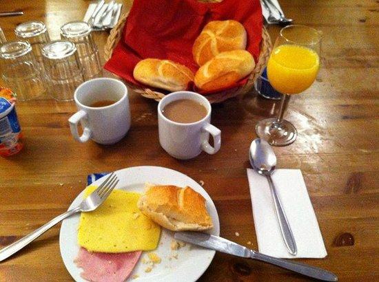 Chalet Schlosshof: Breakfast