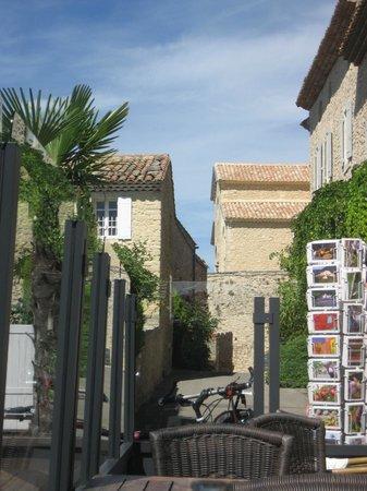 Bistrot Le Petit Crillon: Terrasse