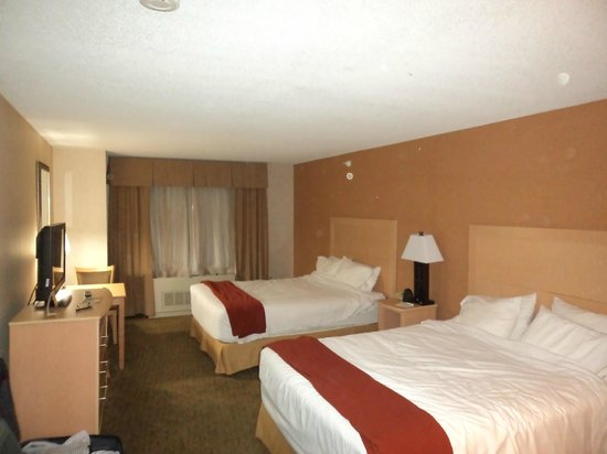 Holiday Inn Express North Conway: our room