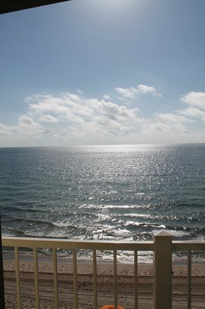 Sun Tower Hotel & Suites on the beach : Zimmer-Aussicht