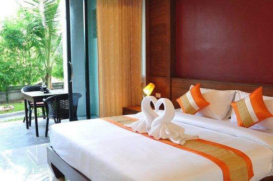 Samui Honey Tara Villa Residence: Bett