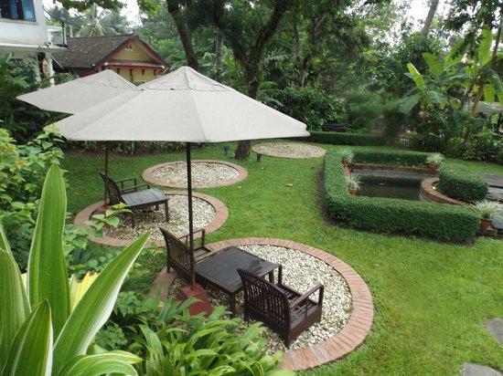 Hotel 3 Nagas Luang Prabang MGallery by Sofitel: Jardín posterior