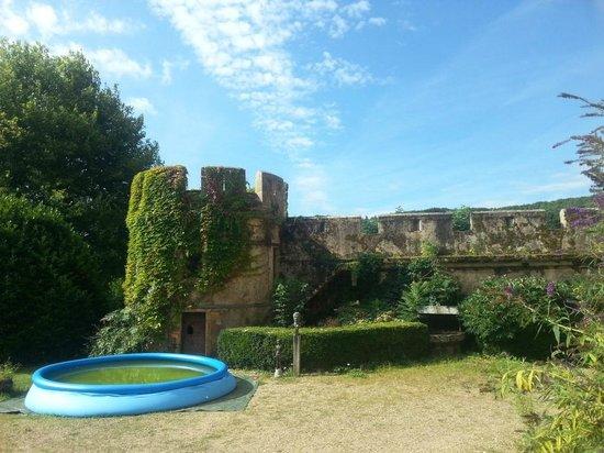 Chateau de Burnand : .