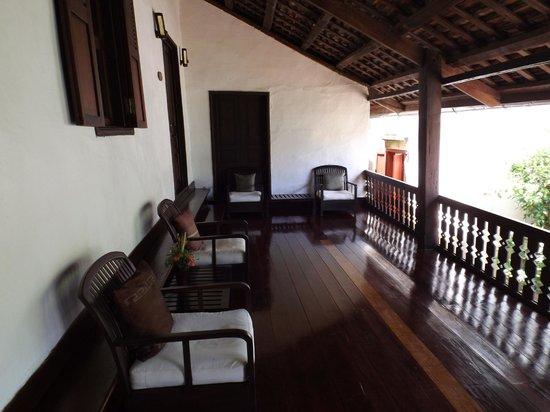 Hotel 3 Nagas Luang Prabang MGallery by Sofitel : terraza de las habitaciones
