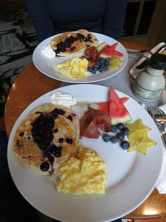 Made INN Vermont, an Urban-Chic Bed and Breakfast: Frühstück