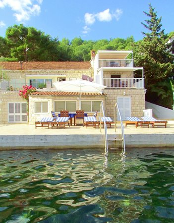 Korcula Waterfront Accommodation: View of waterfront villa from sea