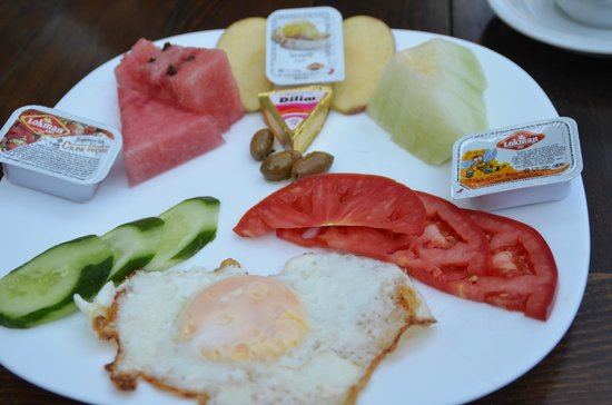 Boomerang Guesthouse Ephesus : the breakfast is too simple (not buffet style)