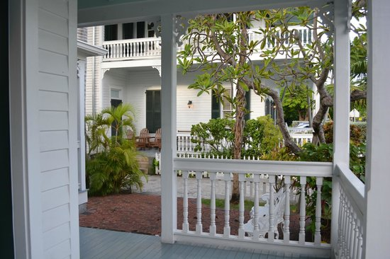 The Conch House Heritage Inn: view of main house from Delaney House