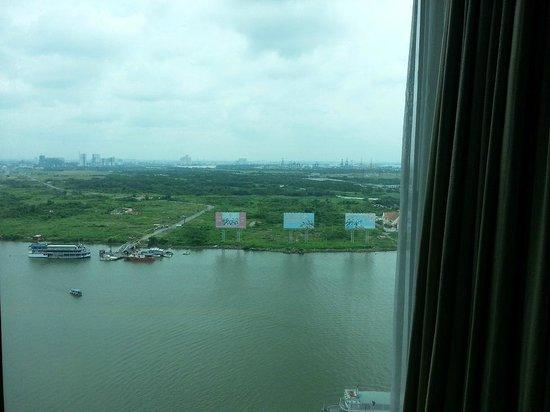 Renaissance Riverside Hotel Saigon : View from the room