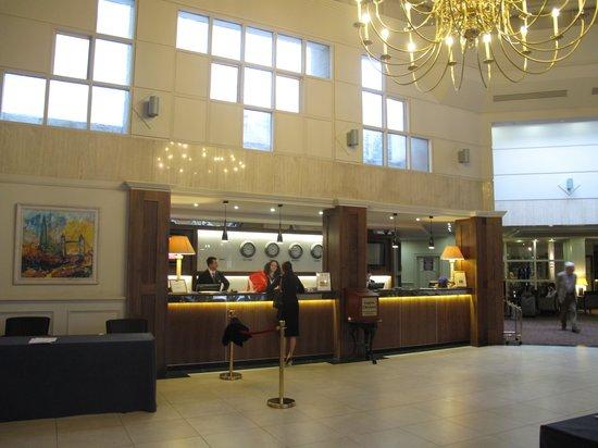 Ballsbridge Hotel: Receptie en hal
