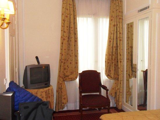 Hotel Lotti Paris: La stanza