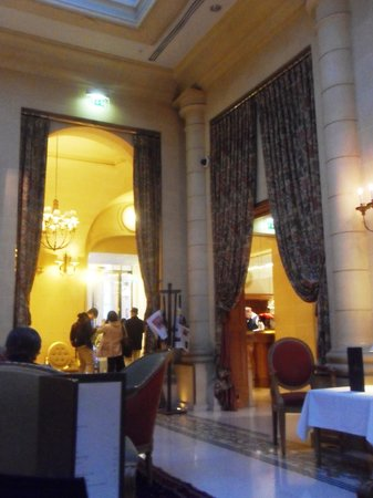 Hotel Lotti Paris : La hall