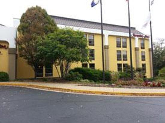 Hampton Inn Alexandria/Pentagon South: Hotel desde afuera