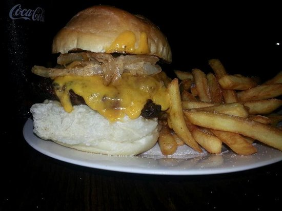 Crackers Casual Dining: yeehaw burger - topped with pulled pork and fried onion