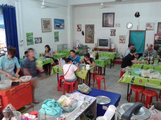 Sip Song Banna: Inside of restaurant