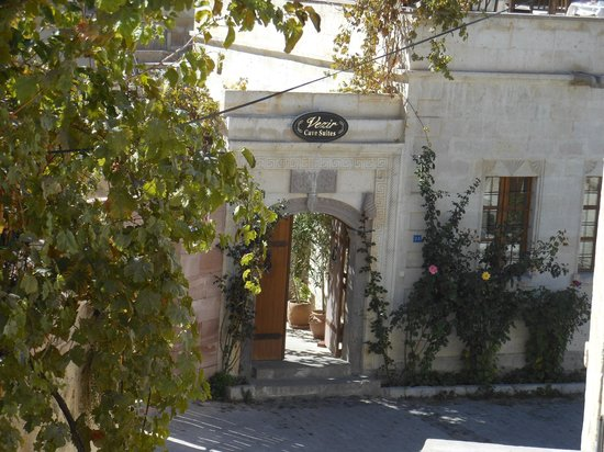 Vezir Cave Suites: Hotel entrance