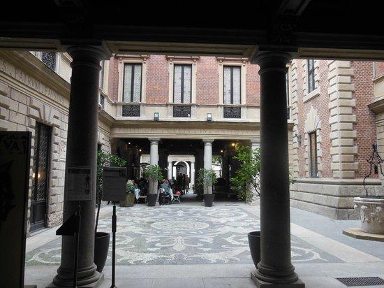 Bilancia con base in forma di tartaruga foto di museo bagatti valsecchi milano tripadvisor - Casa base milano ...