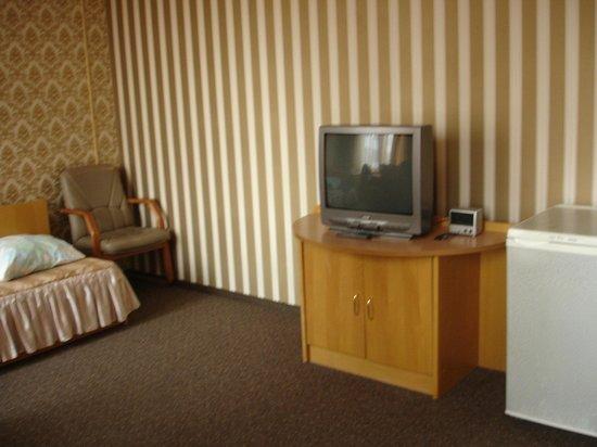 Beltransgaz: Телевизор, внизу в шкафу кух. утварь