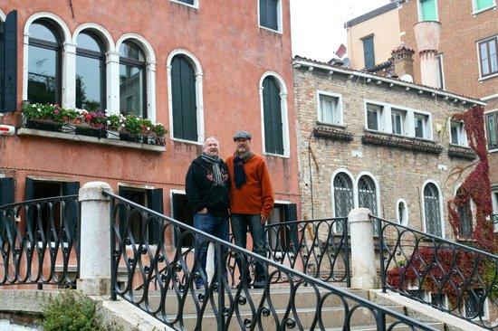 Palazzetto da Schio: On the bridge outside the Palazzetto