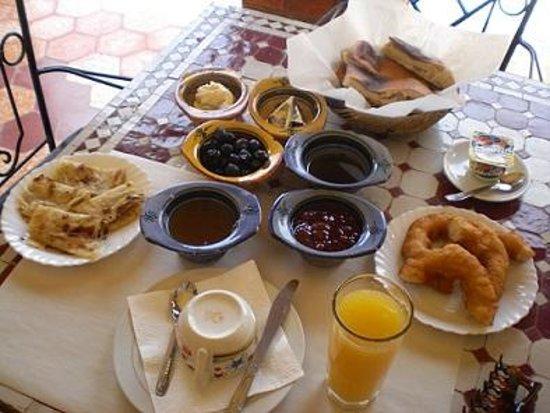 Riad Mamouche: 朝ごはん一例