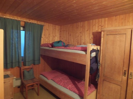 Rifugio Alpe di Tires: Beds available if you are stuck