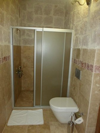 Aravan Evi Boutique Hotel: shower area