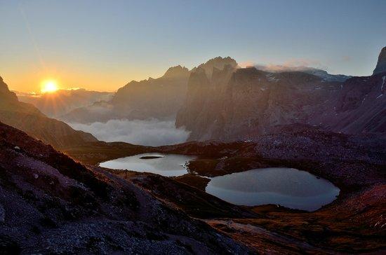 Dreizinnenhütte, Rifugio Antonio Locatelli: L'alba dal Rifugio Locatelli