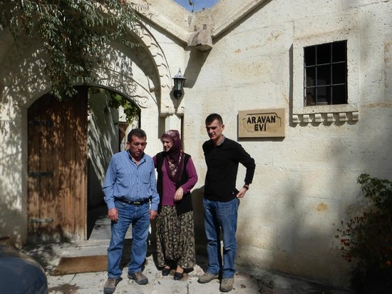 Aravan Evi Boutique Hotel : our hosts