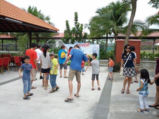 D'Kranji Farm Resort: Game Stalls