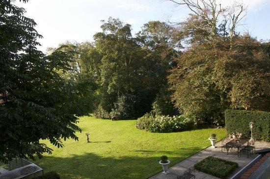 Villa de Wael: Vue du jardin depuis la terrasse