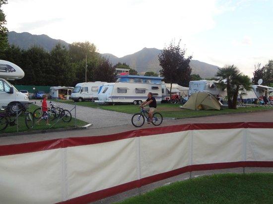 Caravan Camping Miralago : Uitzicht