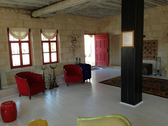 Hezen Cave Hotel: lobby