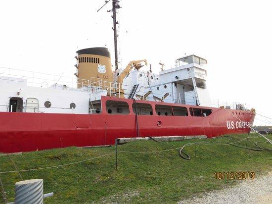 Icebreaker Mackinaw Maritime Museum Inc.: USCGC Mackinaw