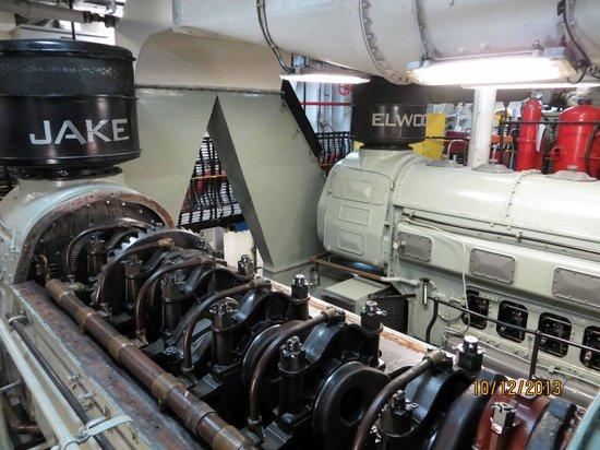 Icebreaker Mackinaw Maritime Museum Inc.: Engineering compartment