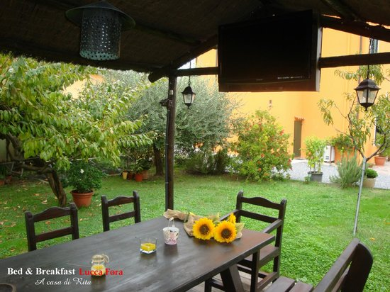 Bed & Breakfast Lucca Fora : Gazebo con Tv lcd