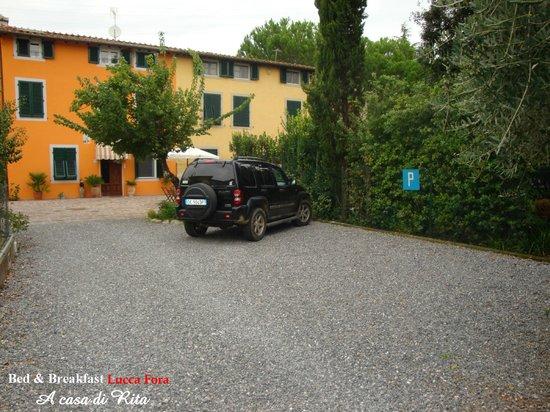 Bed & Breakfast Lucca Fora : Parcheggio GRATUITO