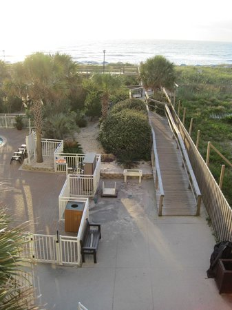 Courtyard Carolina Beach Oceanfront: Carolina Beach - Courtyard Marriott - beach access