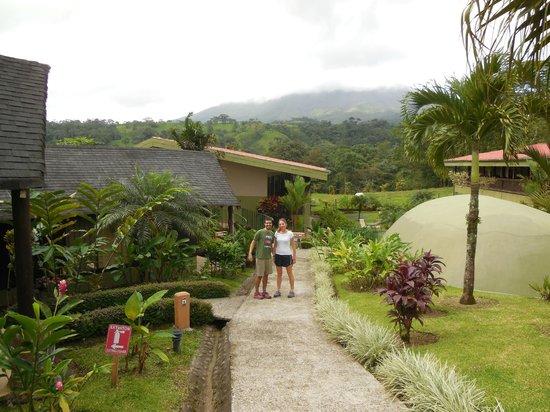 Hotel Lavas Tacotal: Camino hacia la habitación