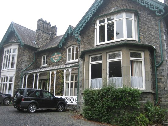 Ambleside Lodge: Front of hotel