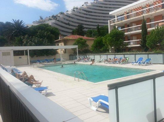 Residence Goelia Royal Cap : piscine
