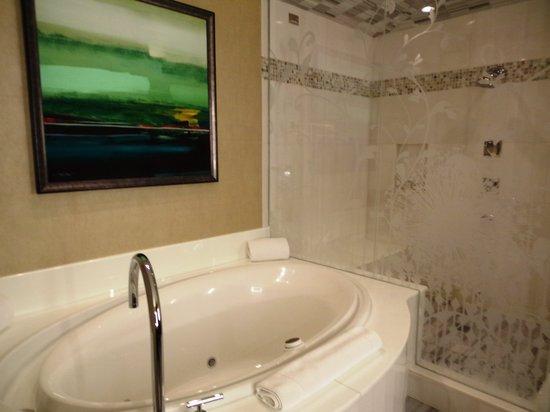 Hotel32 at Monte Carlo: Second bathroom