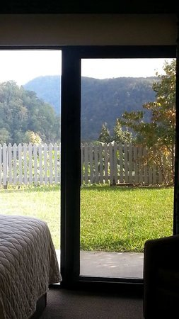 Hawks Nest State Park Lodge: Our room view