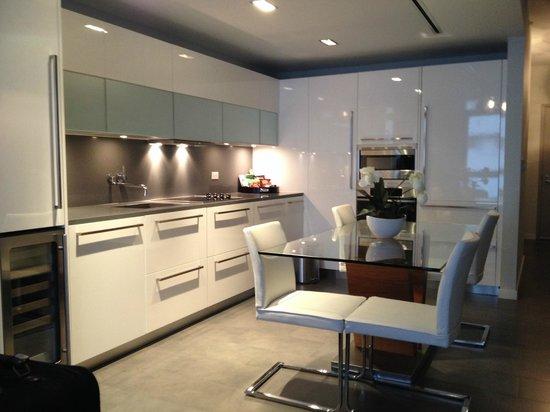 Boulan South Beach: Full kitchen