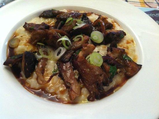 Au Vieux Four : risotto piémontais, sauté de champignons  ail persil, jus viande